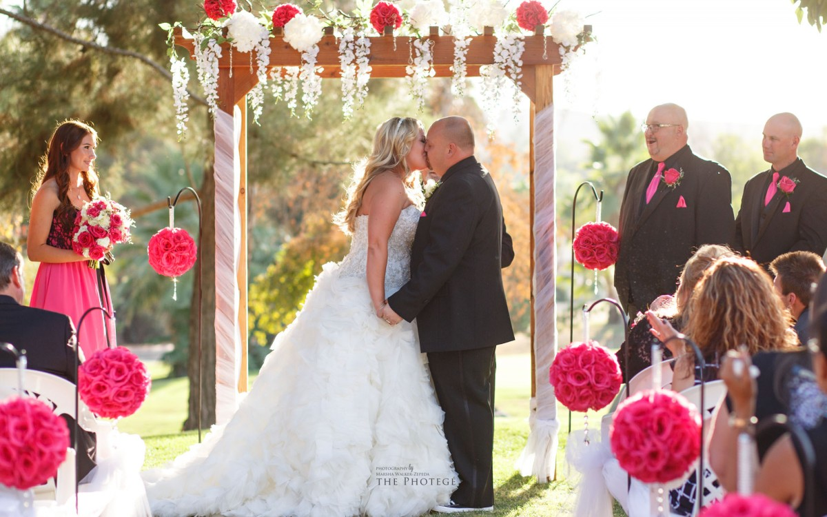 Stephanie + Brian = MARRIED {rio bravo country club, bakersfield, california wedding photography}